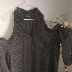 SOHO gray cut-out shoulder blouse XL
